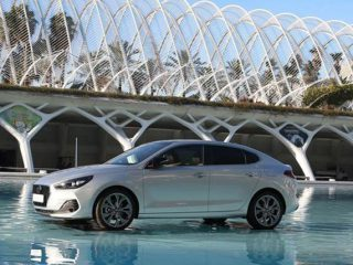 Hyundai i30 Fastback – Odvažno elegantan