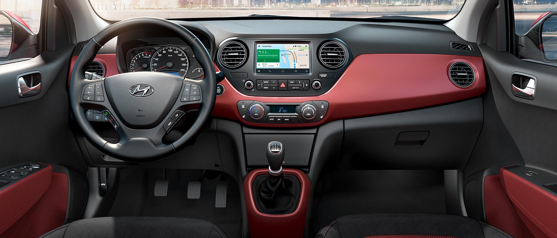 Hyundai i30 Fastback unutrašnjost