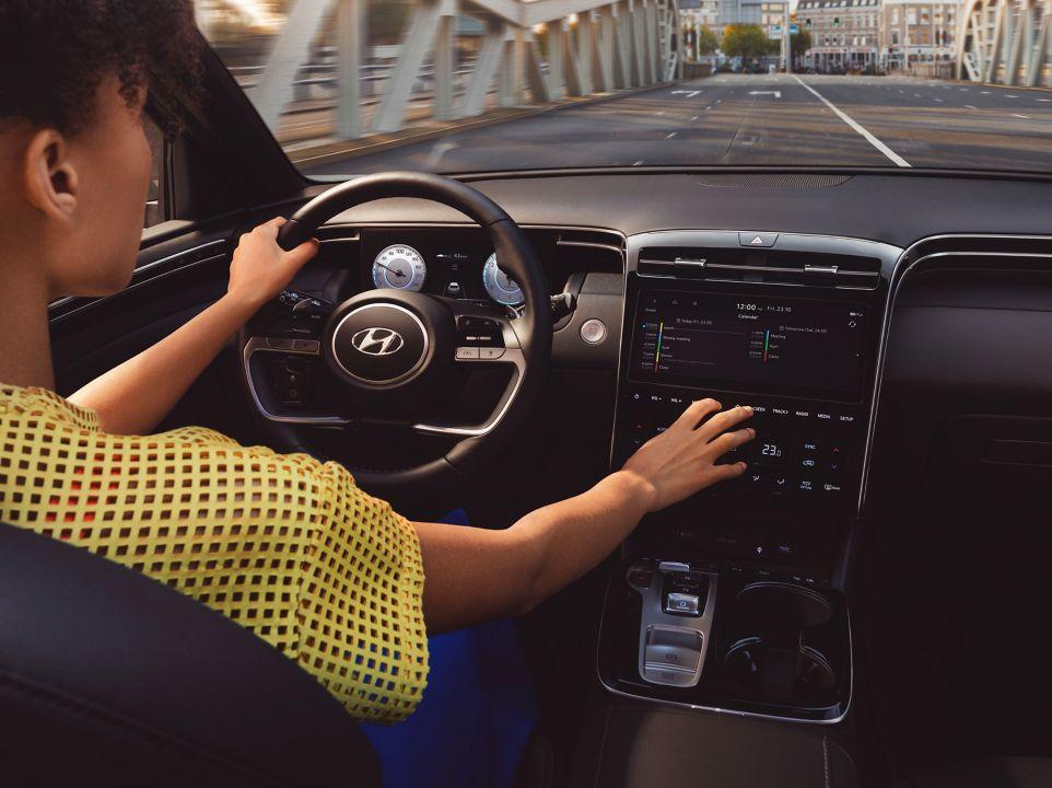 Progresivni jezik dizajna novog TUCSON-a nadahnut je Hyundaijevim Vision T SUV konceptom, koji je s velikim pohvalama predstavljen na 2019 AutoMobility LA